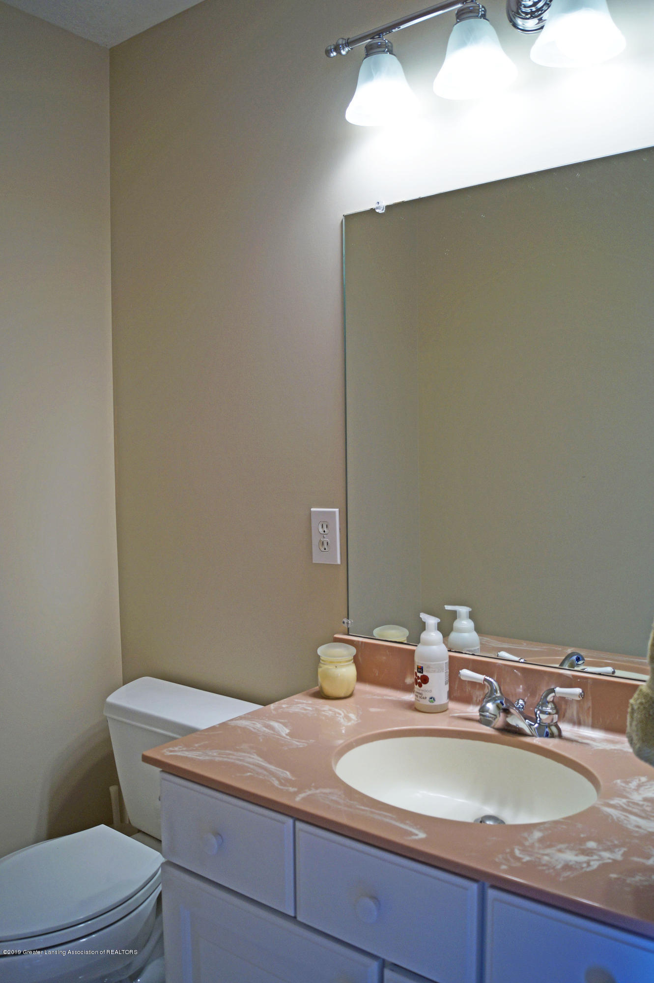 4865 Ohchi Ct - Half Bath - 25