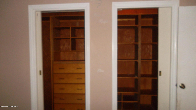 614 Paris Ave - Master Closet - 19