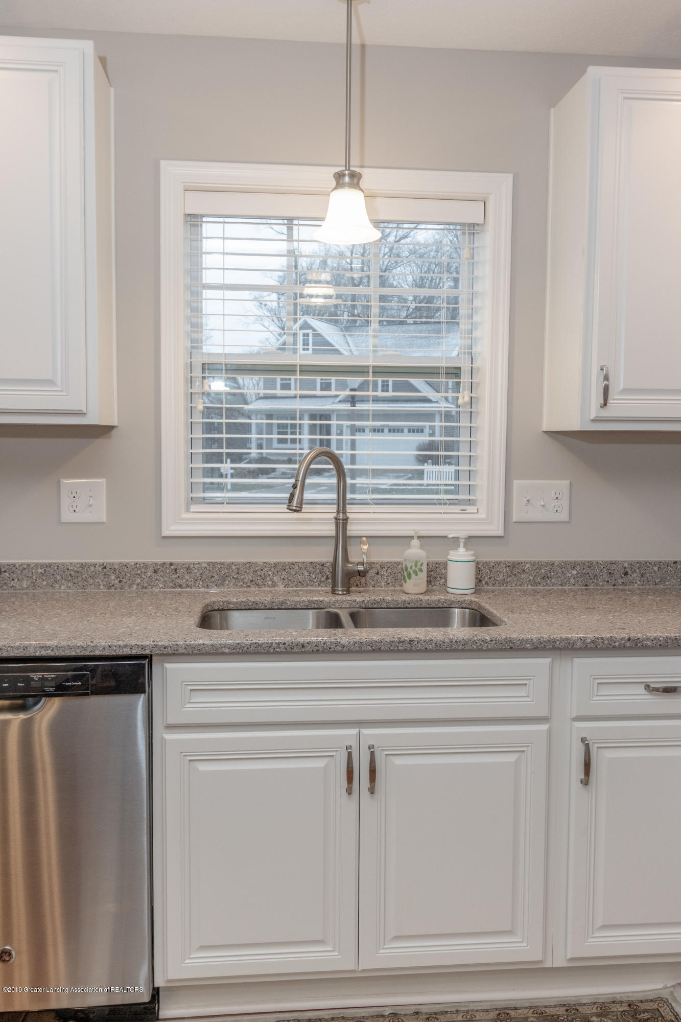 3805 Zaharas Ln - Kitchen - 16
