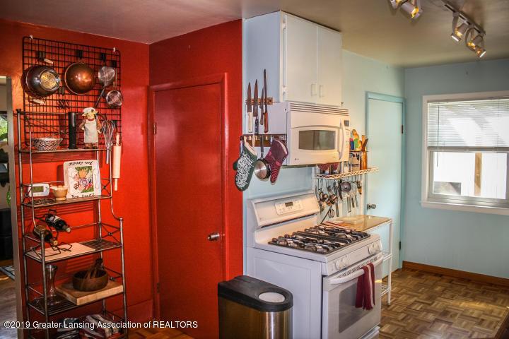 5781 Sleight Rd - Kitchen - 7