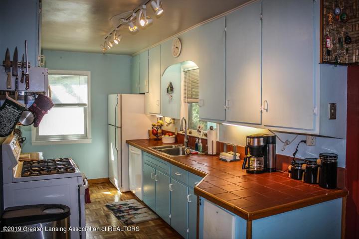 5781 Sleight Rd - Kitchen - 5