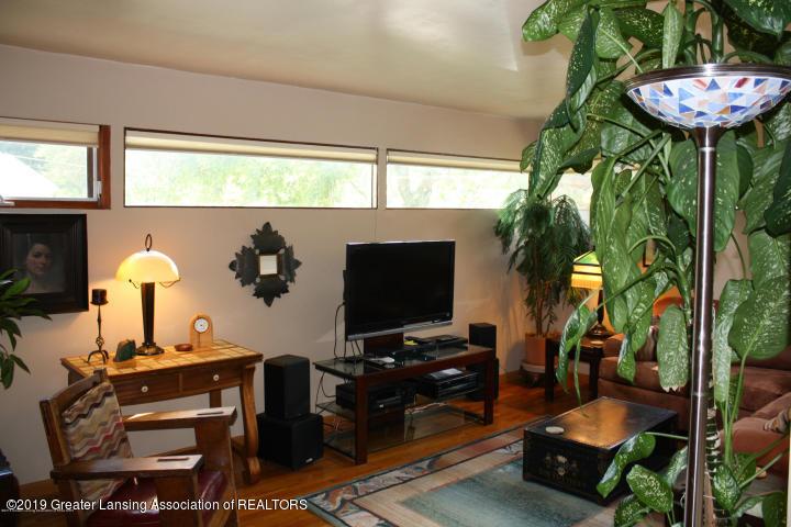 5781 Sleight Rd - Family Room - 13