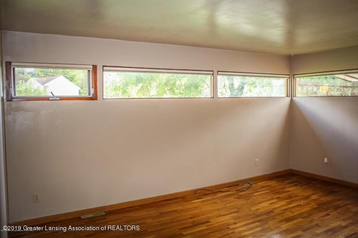 5781 Sleight Rd - Family Room - 14