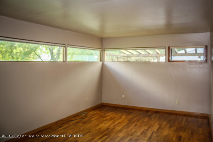 5781 Sleight Rd - Family Room - 16