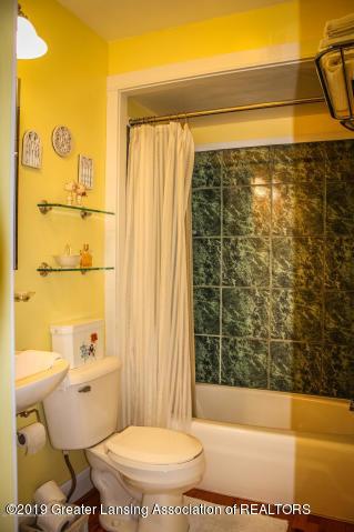 5781 Sleight Rd - Master Bathroom - 20