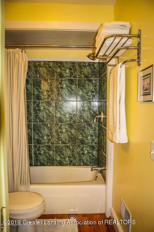 5781 Sleight Rd - Master Bathroom - 22