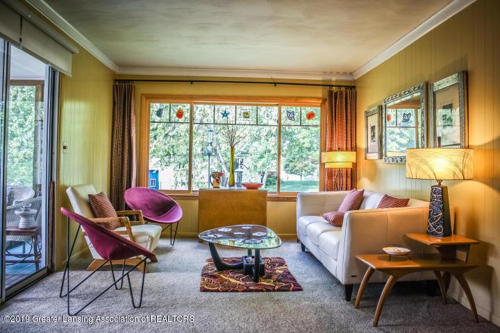 5781 Sleight Rd - Living Room - 25