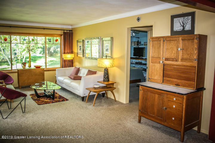 5781 Sleight Rd - Living Room - 26