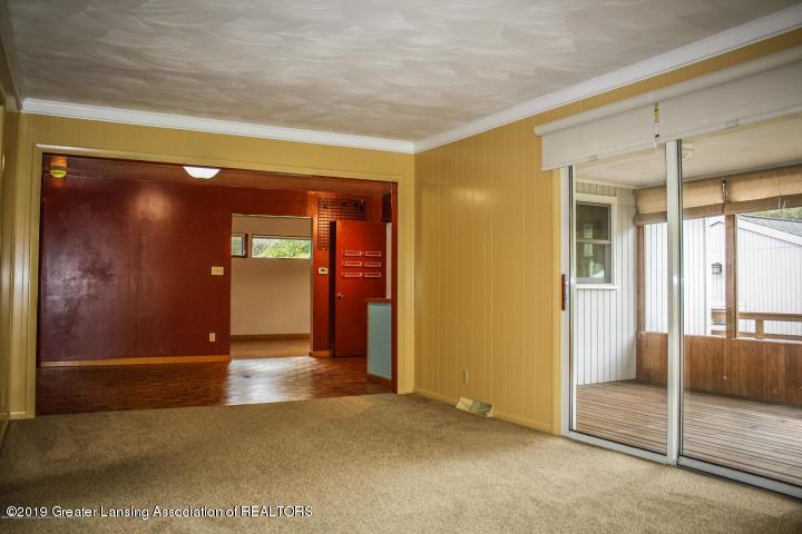 5781 Sleight Rd - Living Room - 30