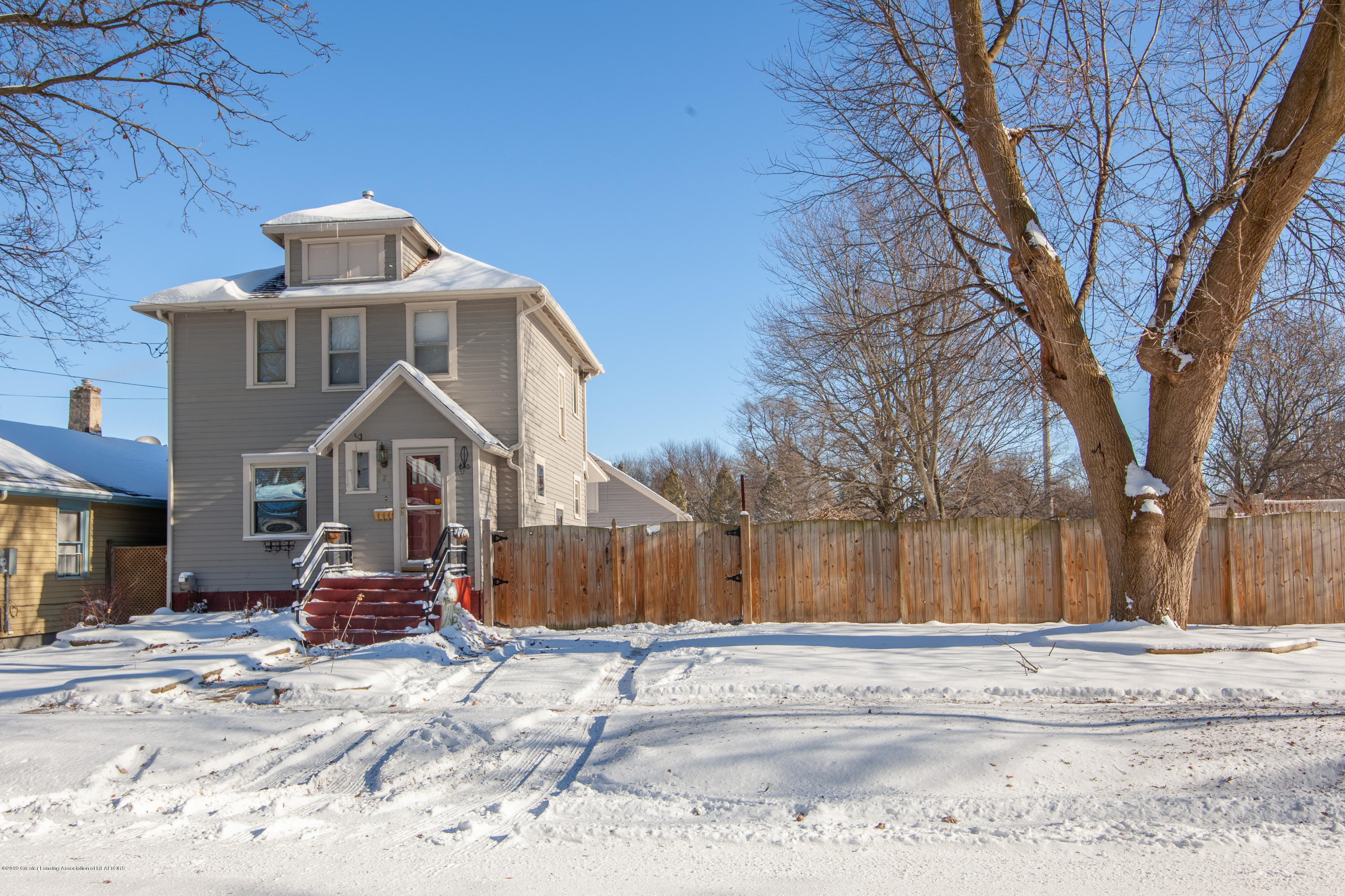 429 S Hayford Ave - Front Exterior - 1