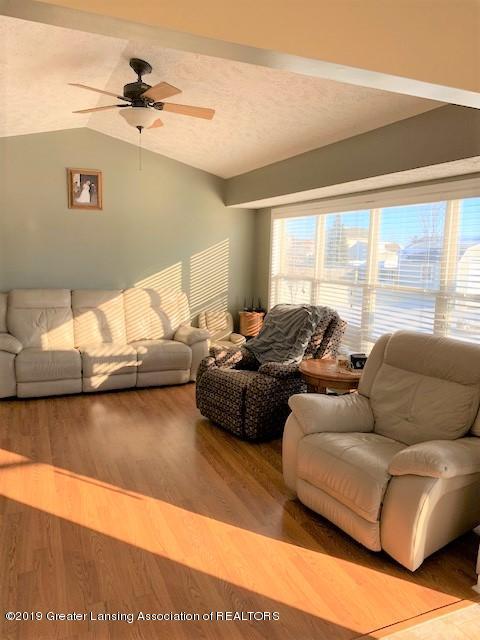 1102 Kelcrasta Dr - living room from dining - 5