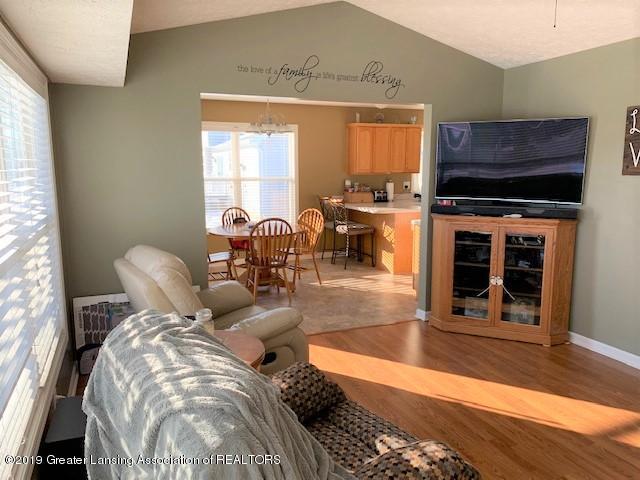 1102 Kelcrasta Dr - living room to dining - 6