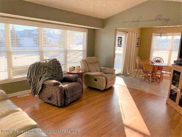 1102 Kelcrasta Dr - living room - 4