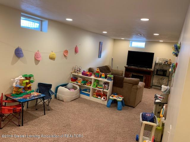 1102 Kelcrasta Dr - LL Family Room 2 - 25