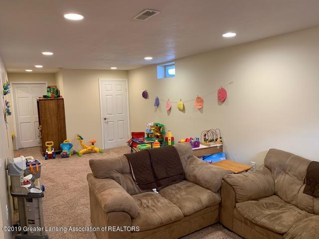 1102 Kelcrasta Dr - LL Family Room - 27