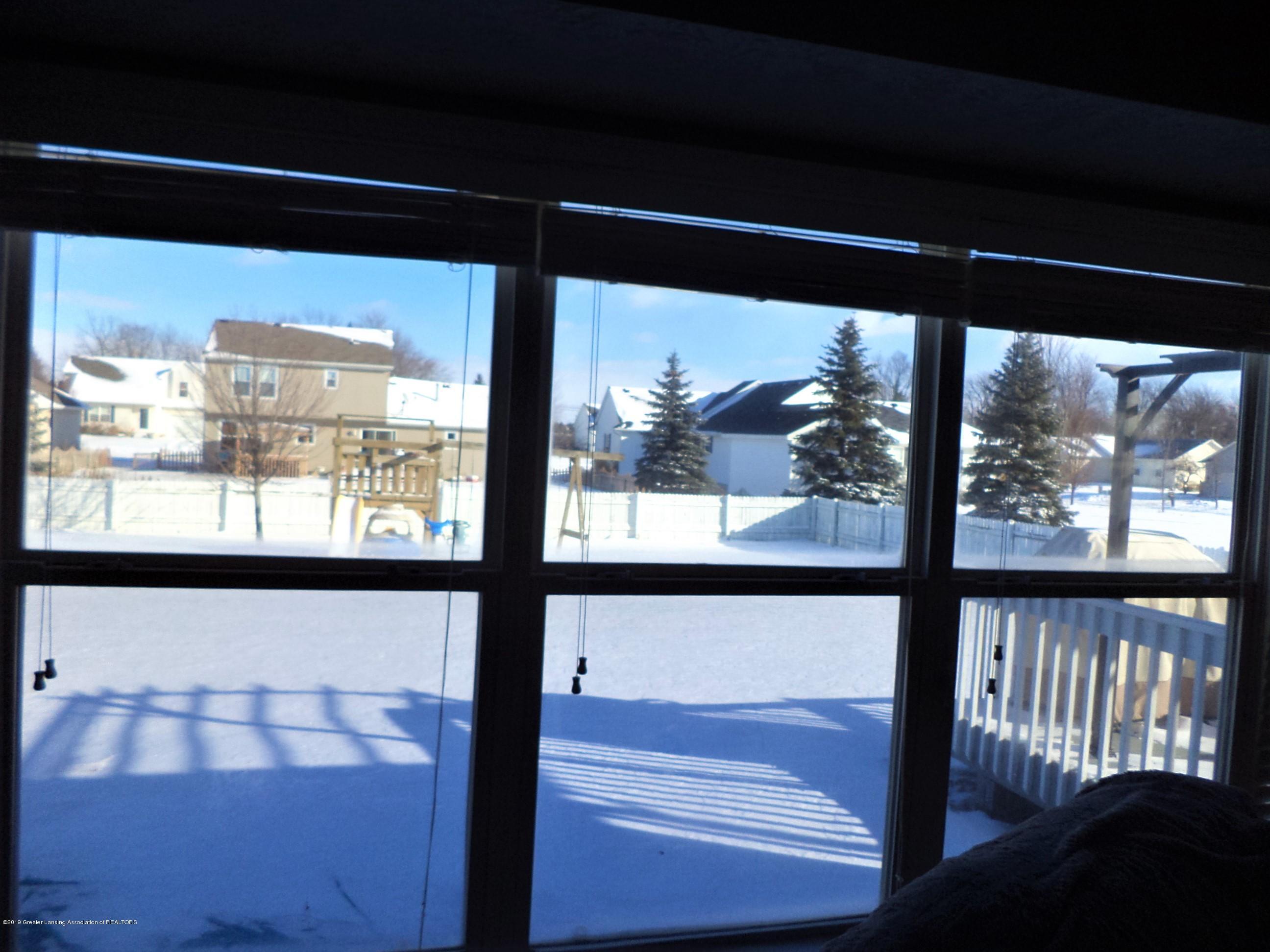 1102 Kelcrasta Dr - Back yard view - 43