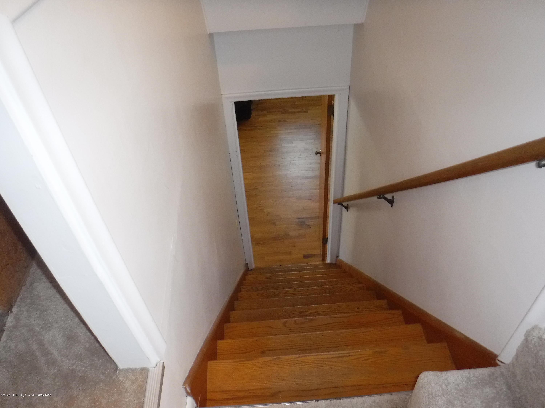 1636 Melrose Ave - 12 Stairway - 20