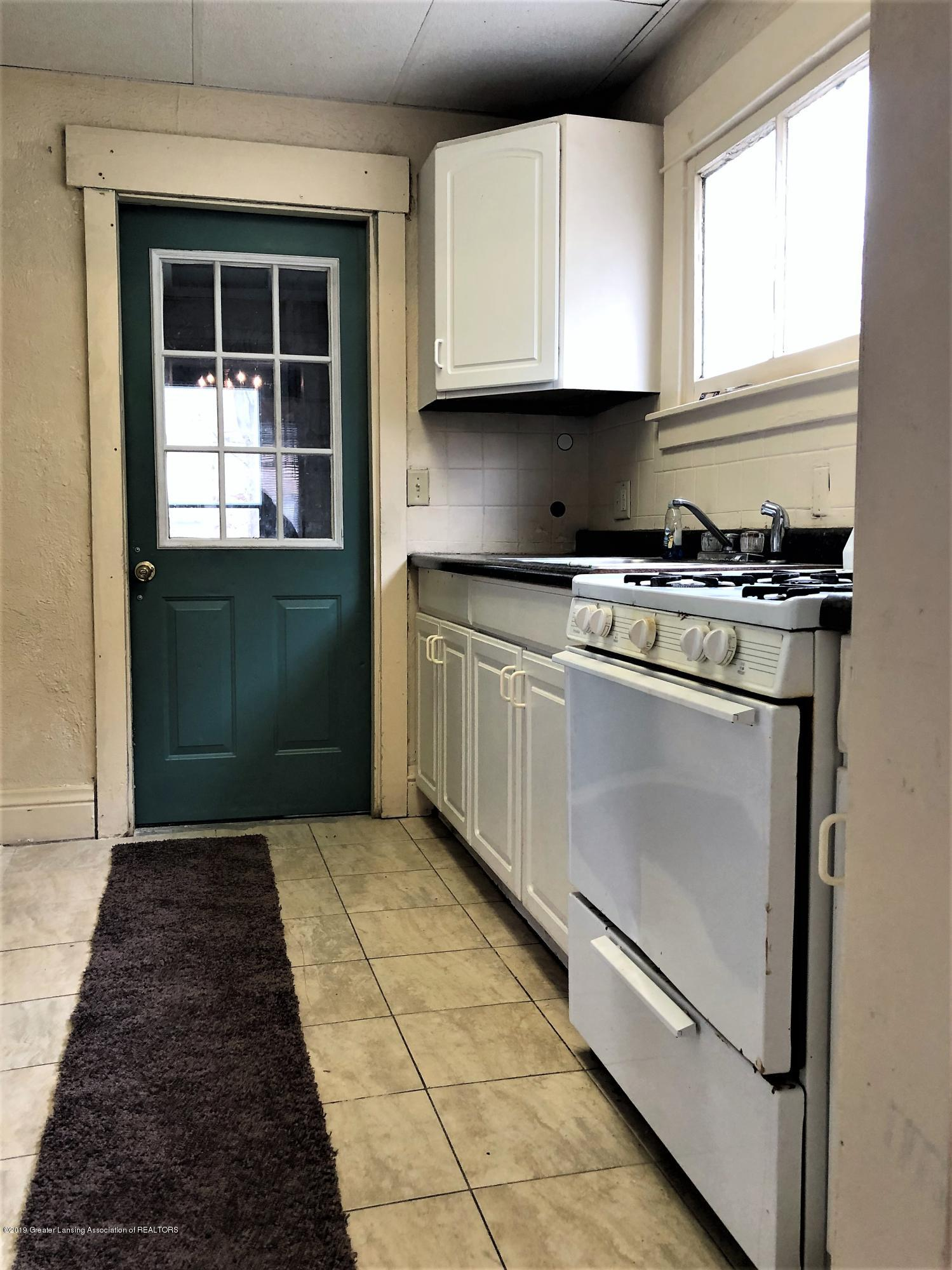 1613 S Cedar St - Kitchen - 7
