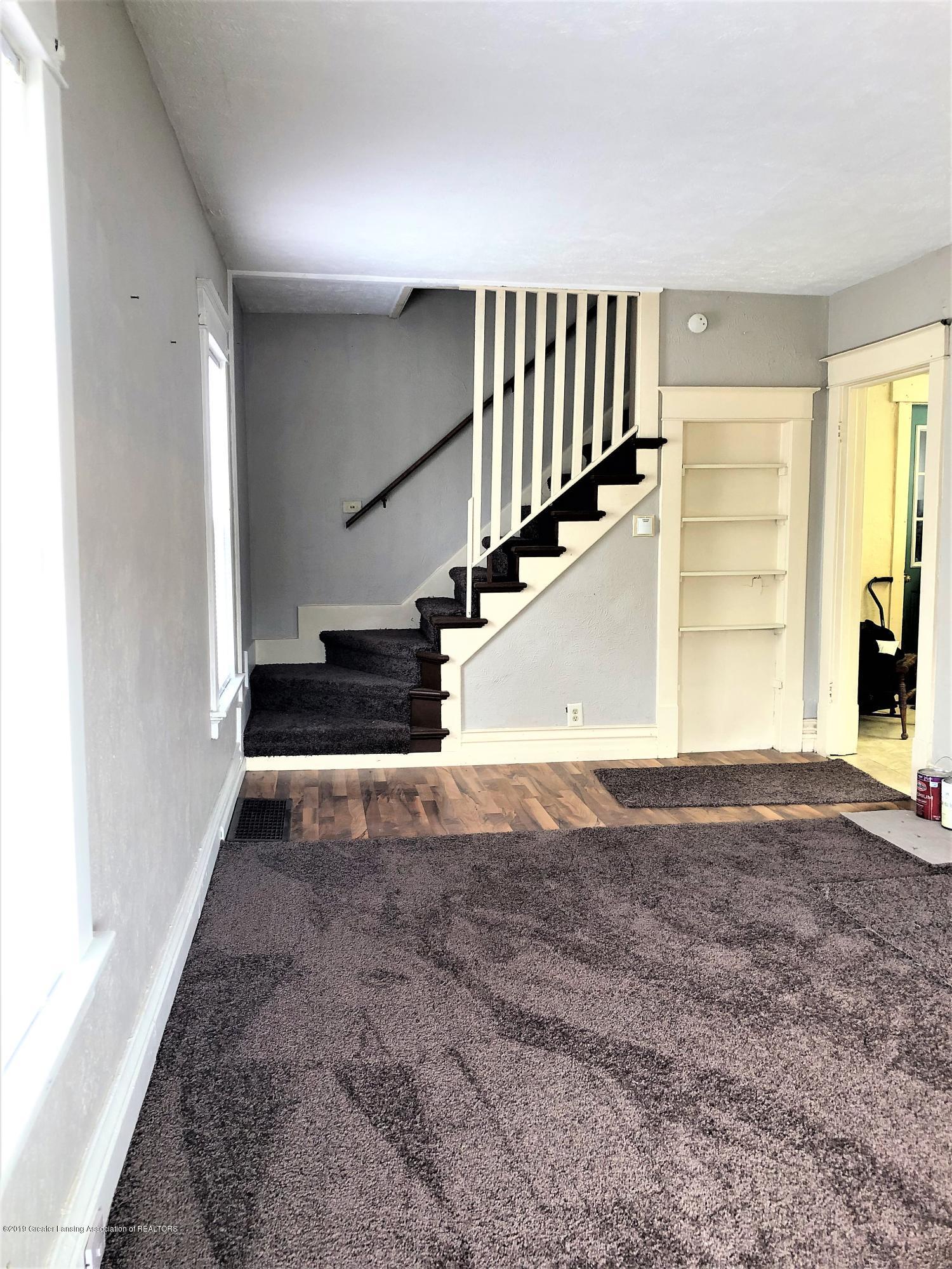 1613 S Cedar St - Living Room - 2