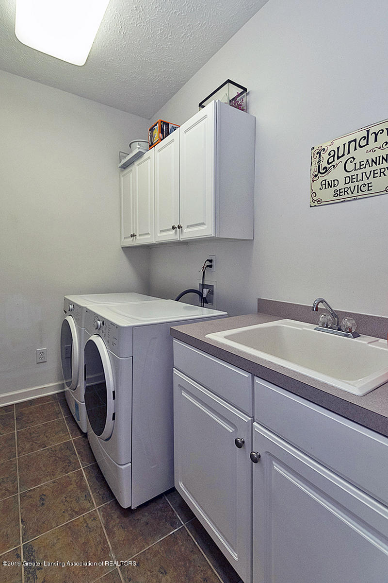 1920 Belwood Dr - LAUNDRY ROOM - 15