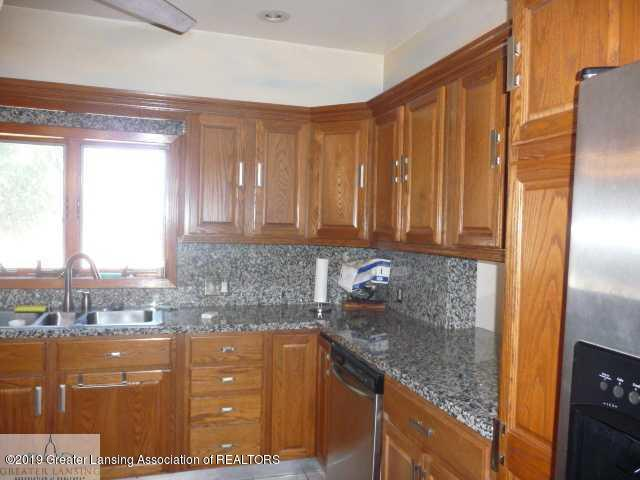 1300 S Canal Rd - Kitchen - 3