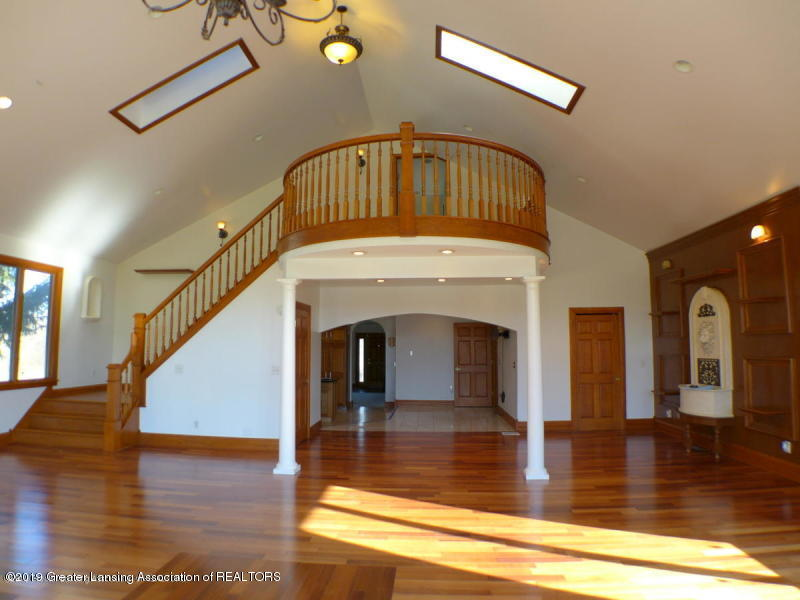 1300 S Canal Rd - Great Room - 7