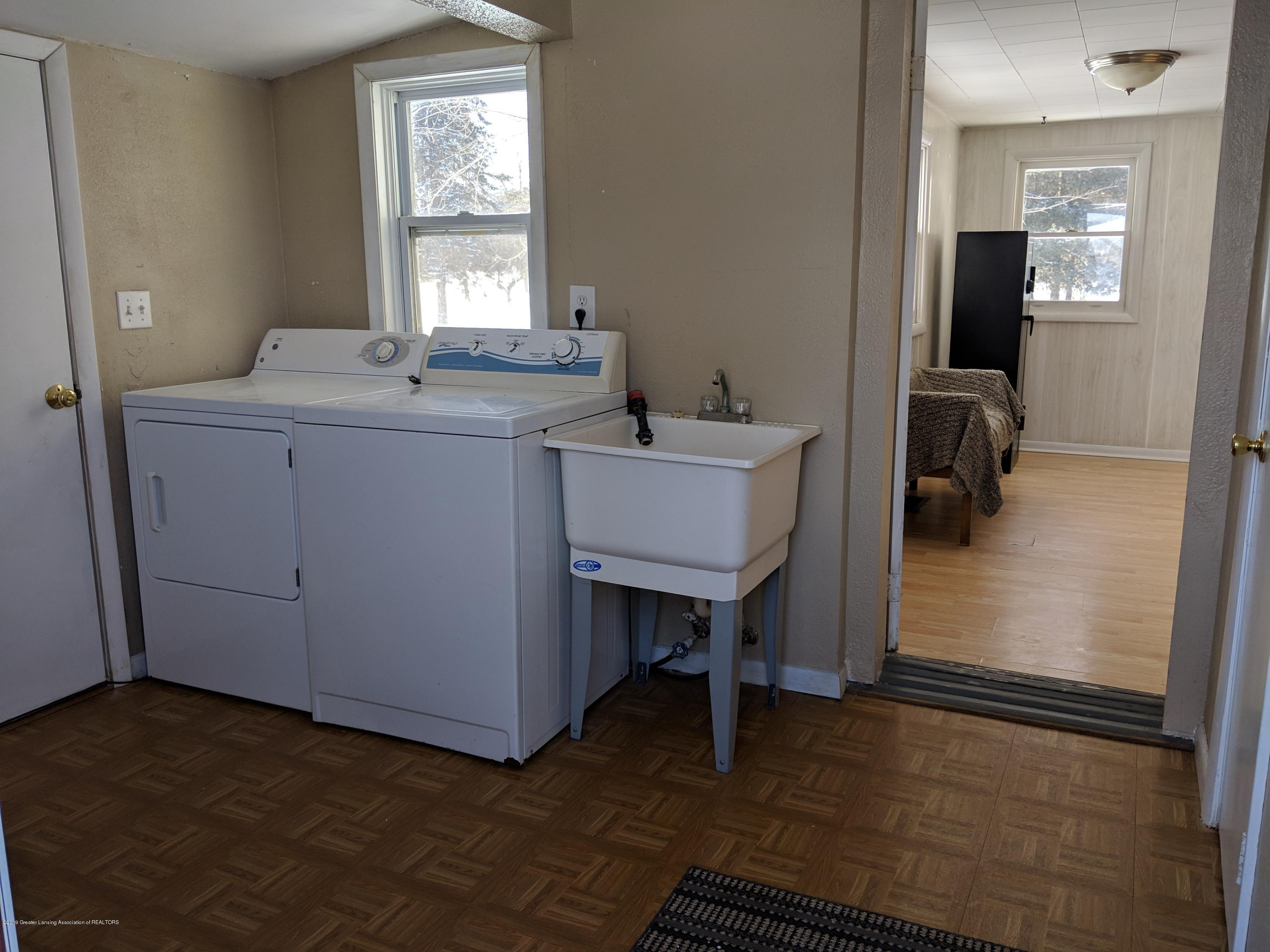 2240 E Howell Rd - Laundry Room - 18
