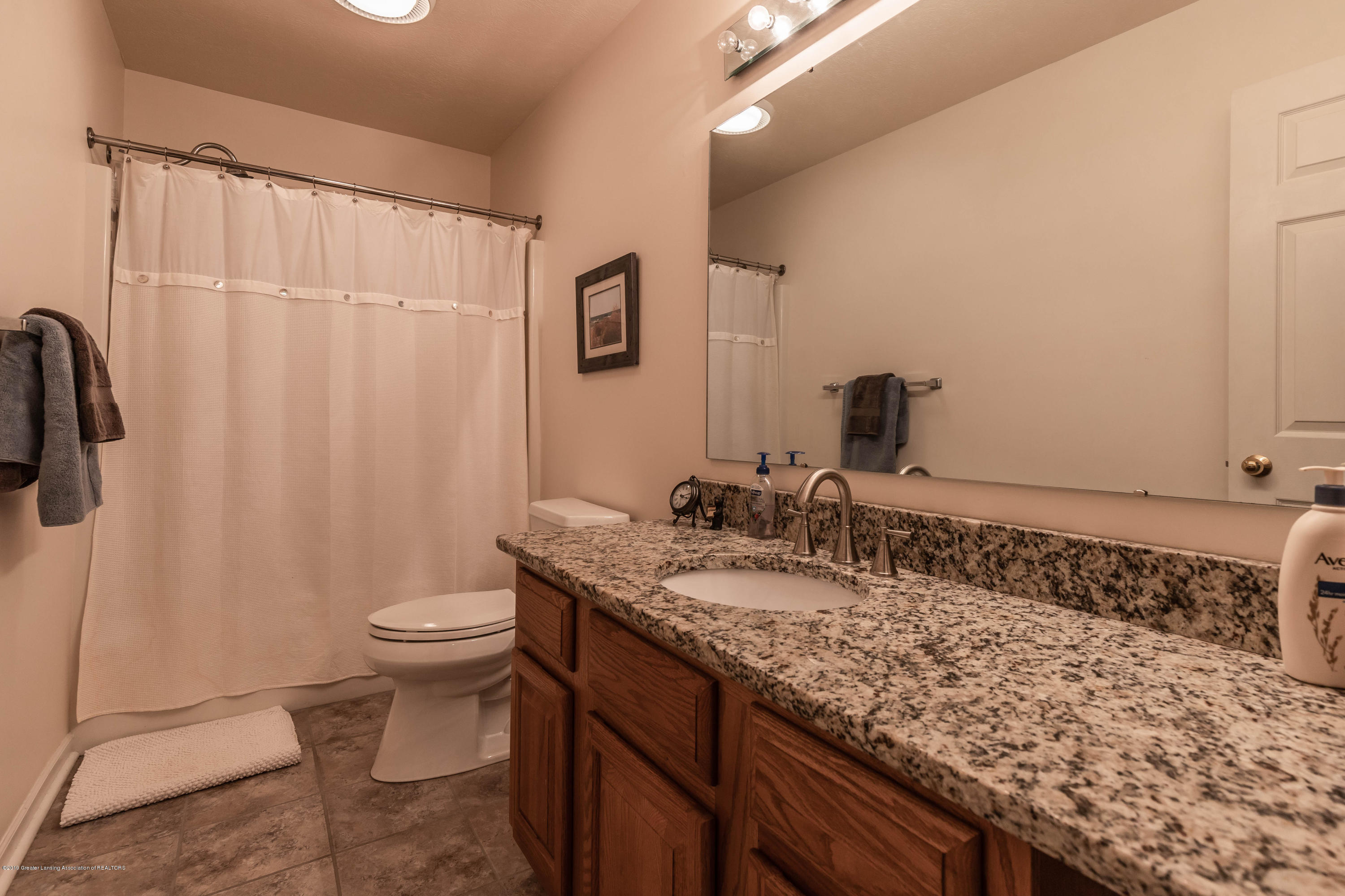 2474 Emerald Lake Dr - emeraldbathus (1 of 1) - 26