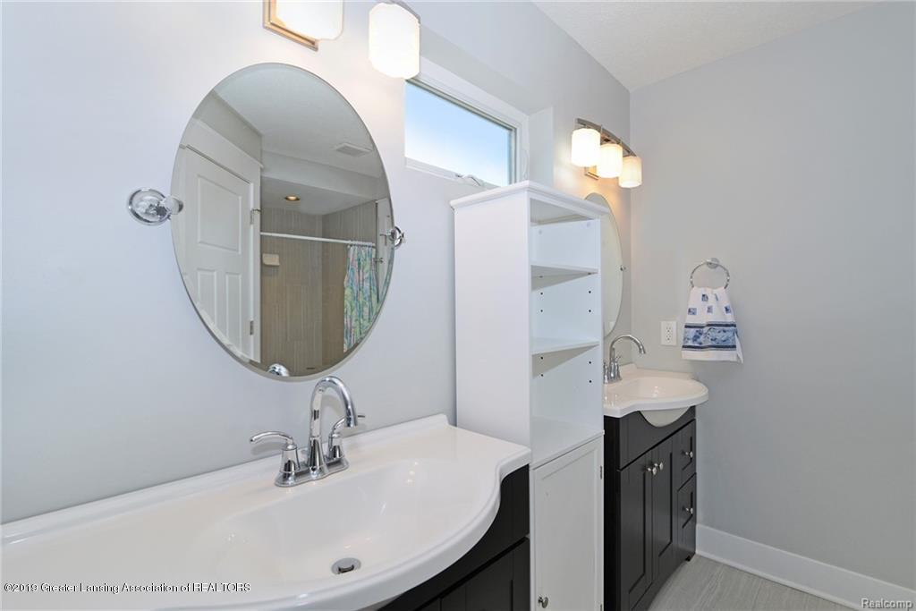 260 Church Hill Downs Blvd - 20 master bath - 20