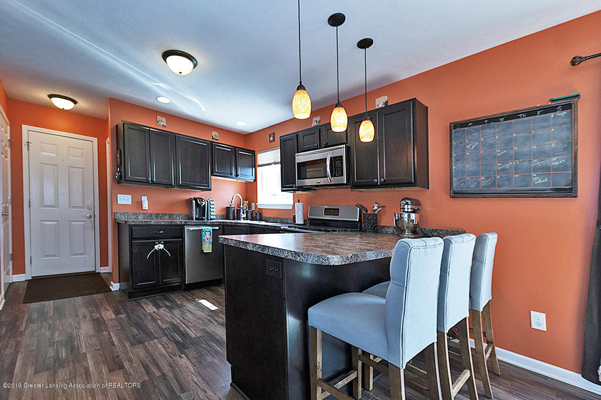 2117 Winners Cir - SPACIOUS KITCHEN - 9