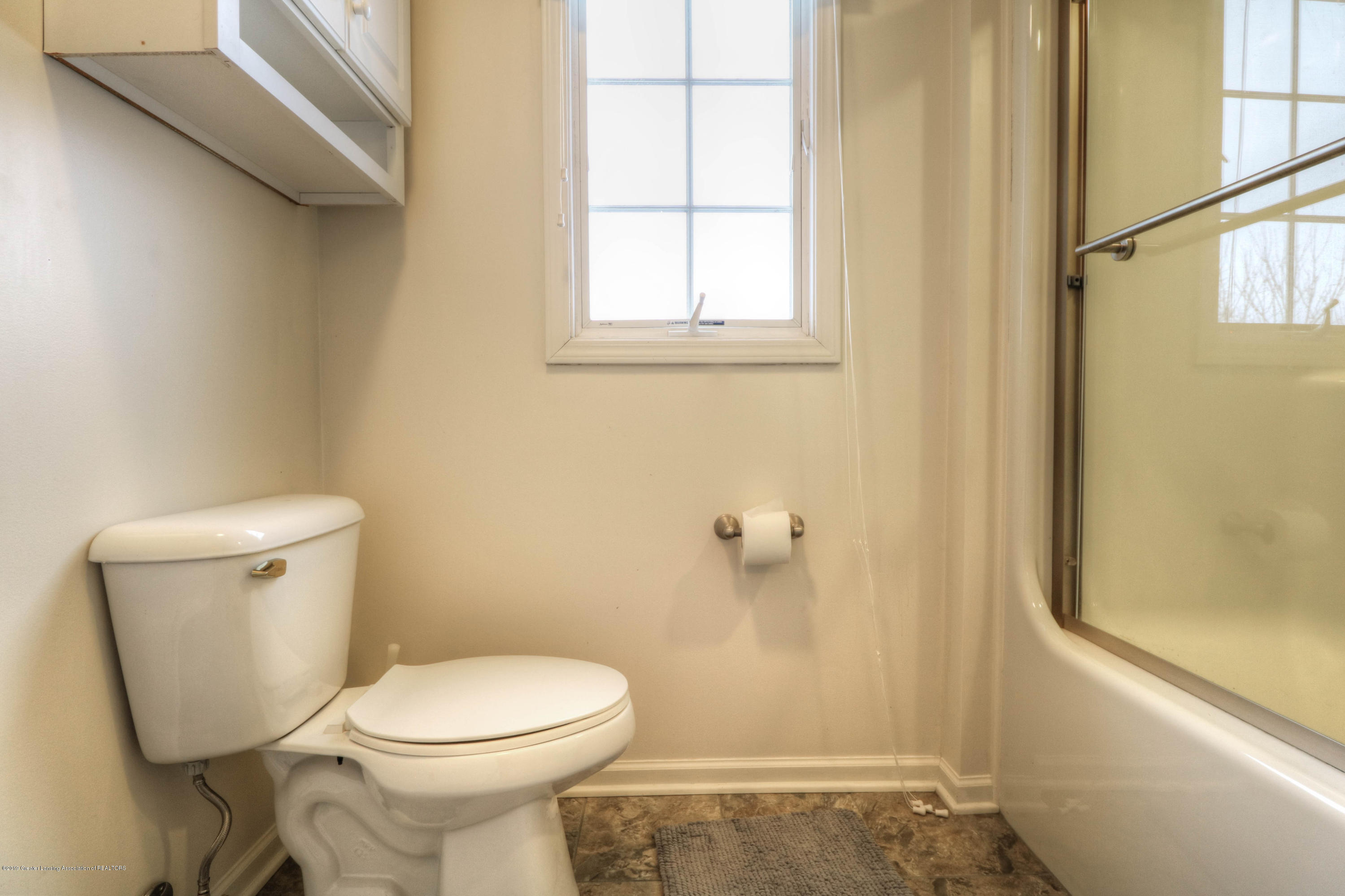 804 Sunrise Cir - Bathroom - 23