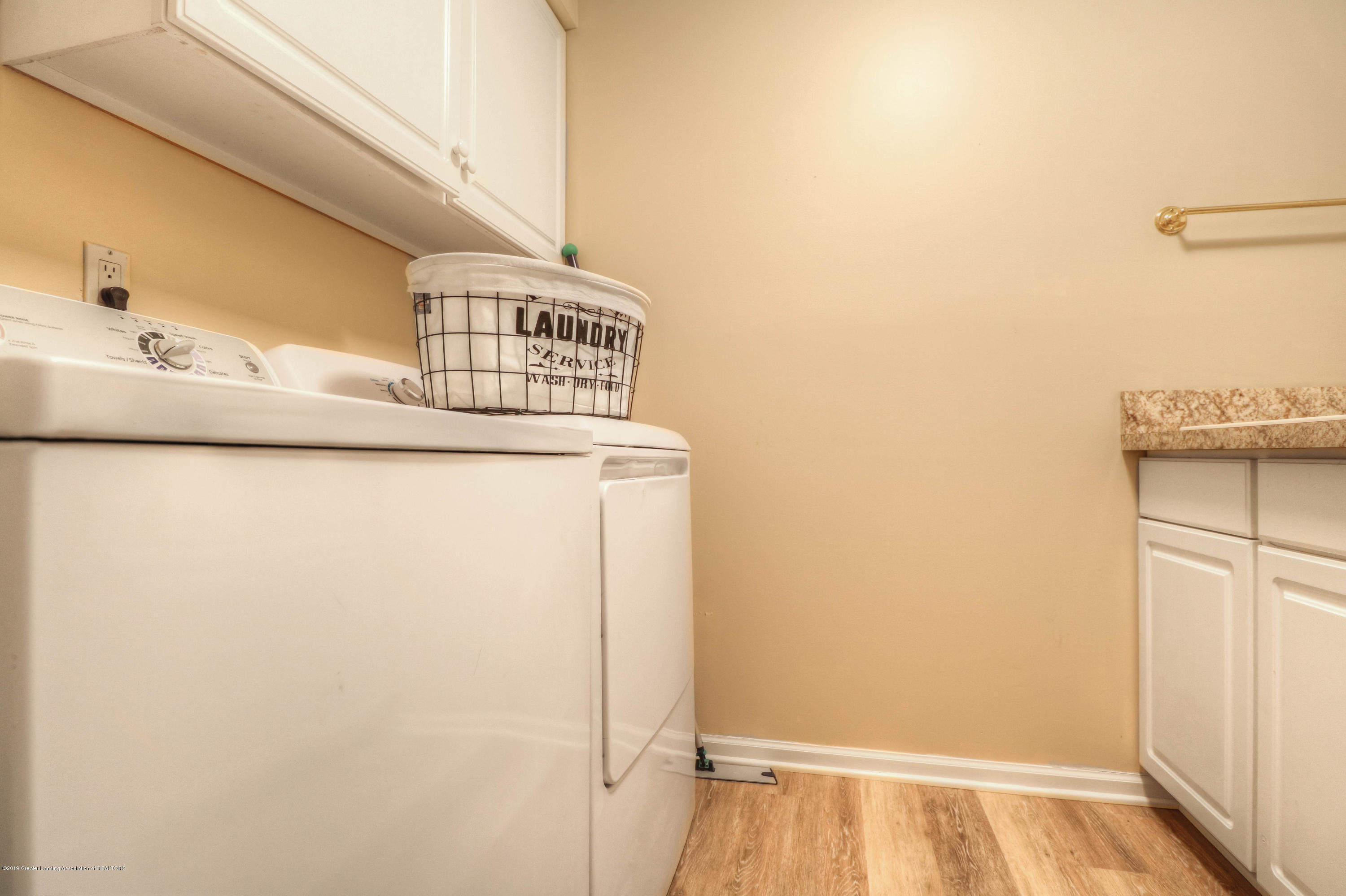 804 Sunrise Cir - Laundry Room - 28