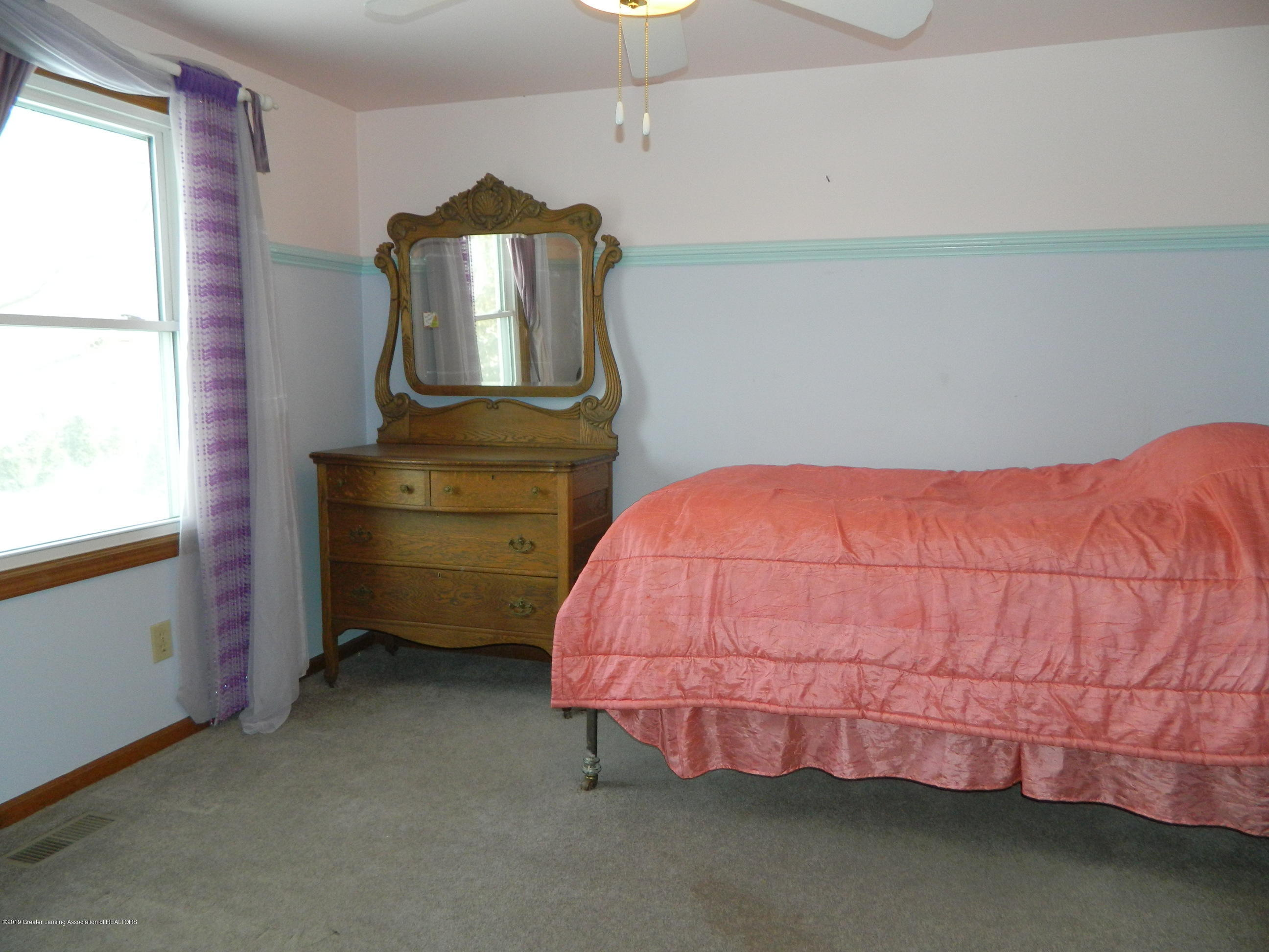 1560 Birchwood Dr - Bedroom - 16