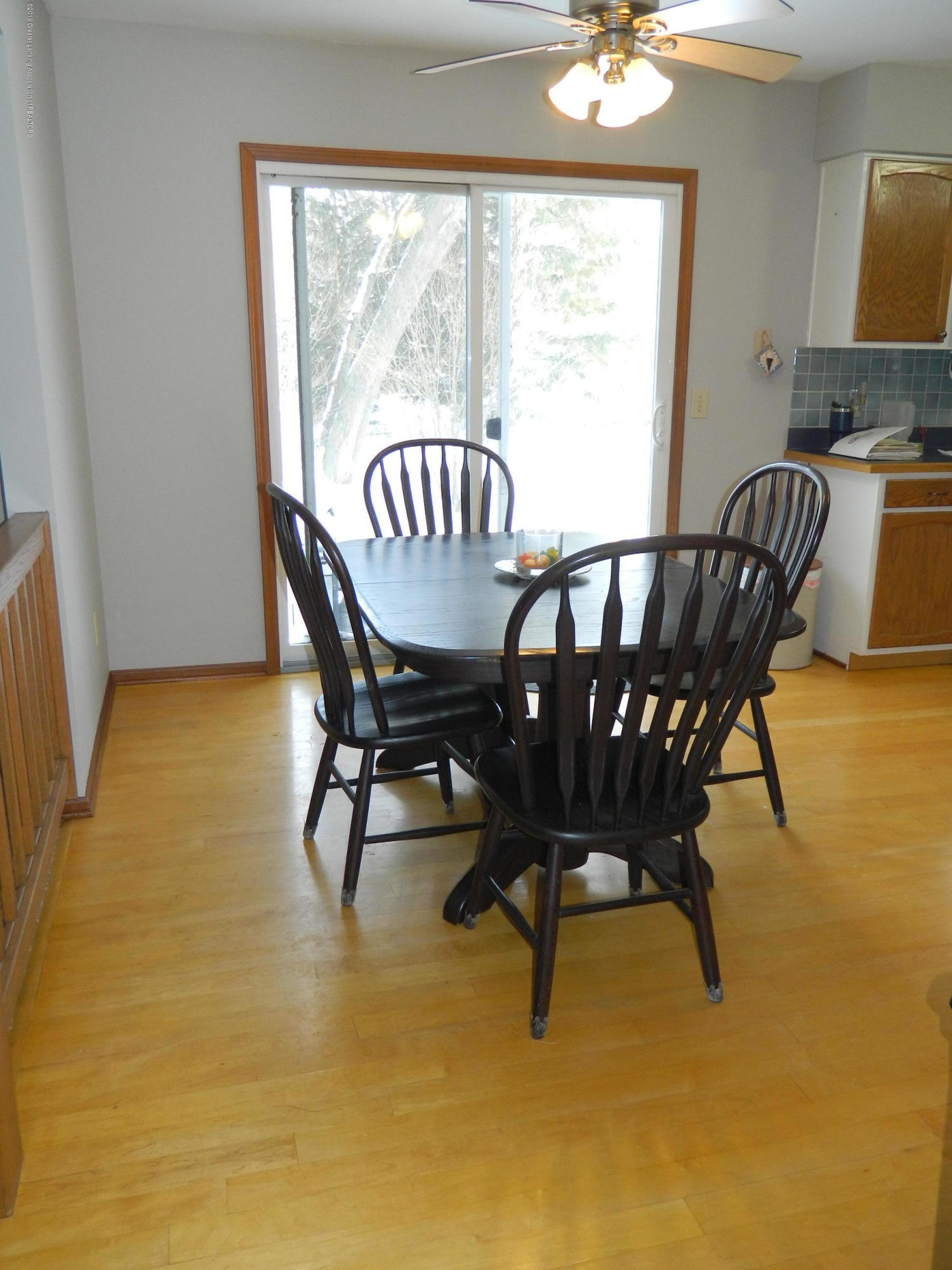 1560 Birchwood Dr - Dining Room - 6
