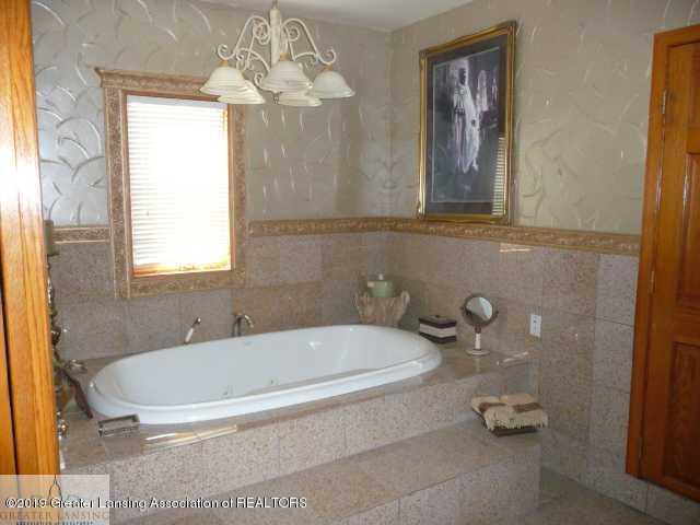 1300 S Canal Rd - Master Bath - 5