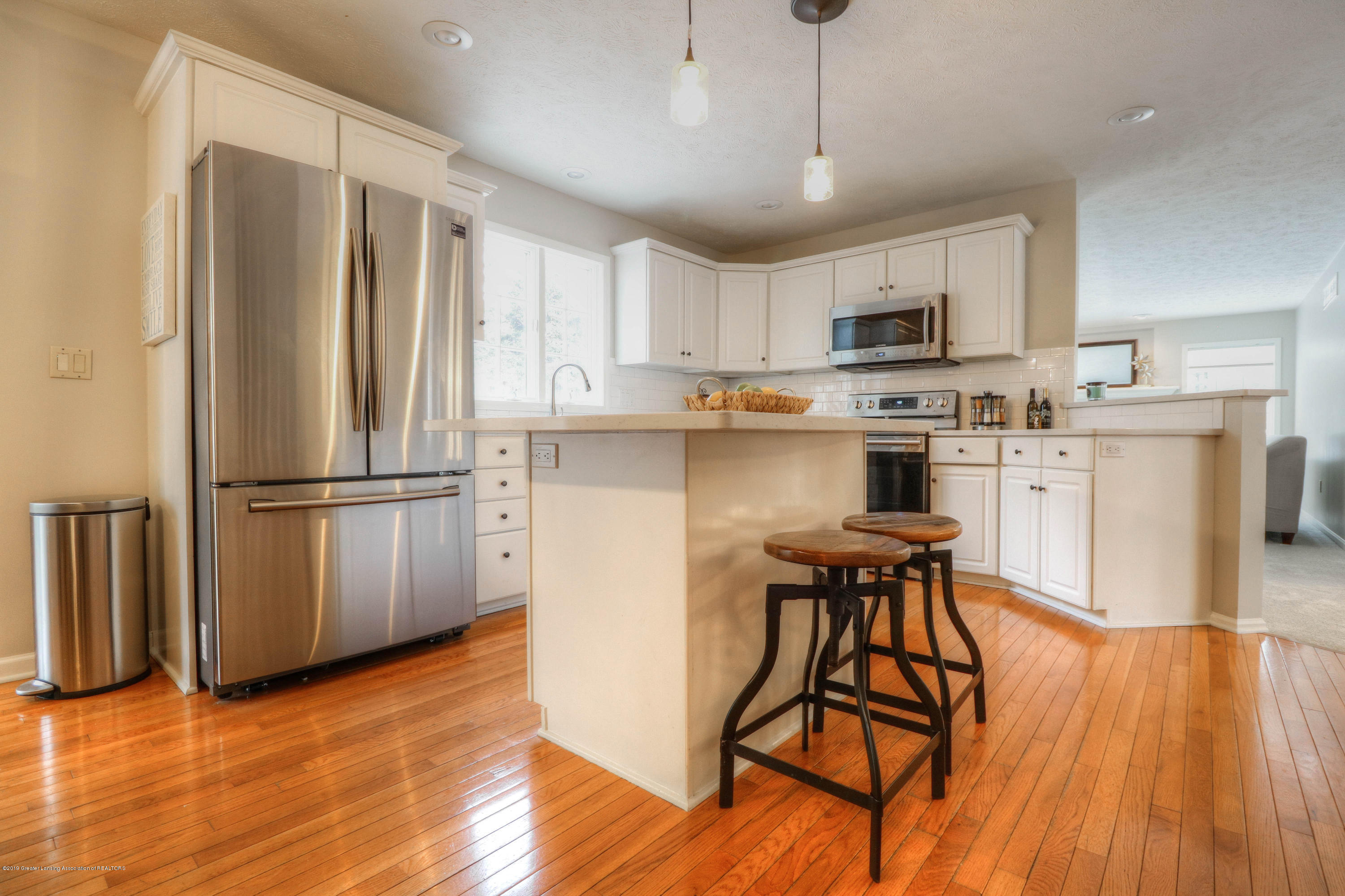 804 Sunrise Cir - Kitchen - 9