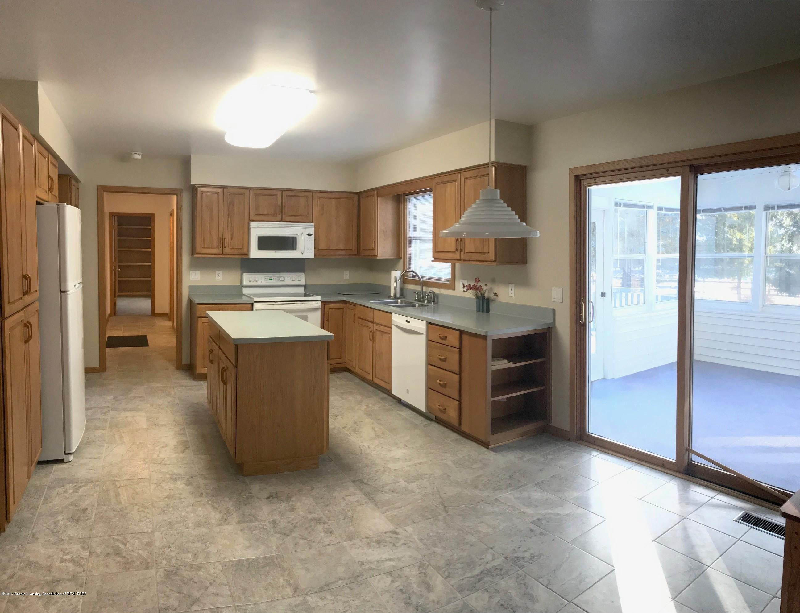 4387 Satinwood Dr - Kitchen Dinette and Sunroom - 14
