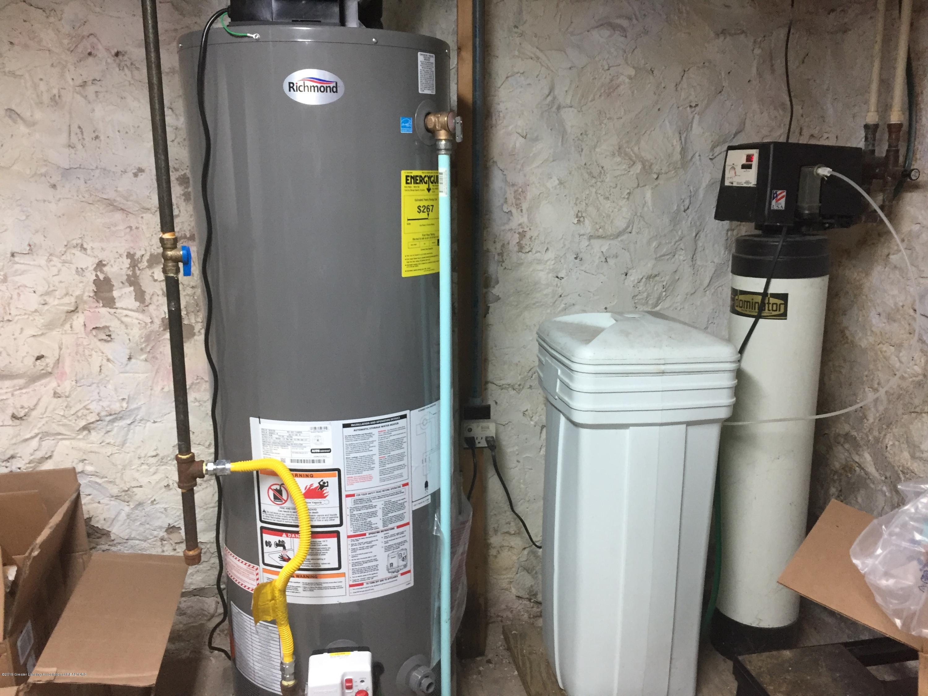230 Washington St - Water heater new - 41