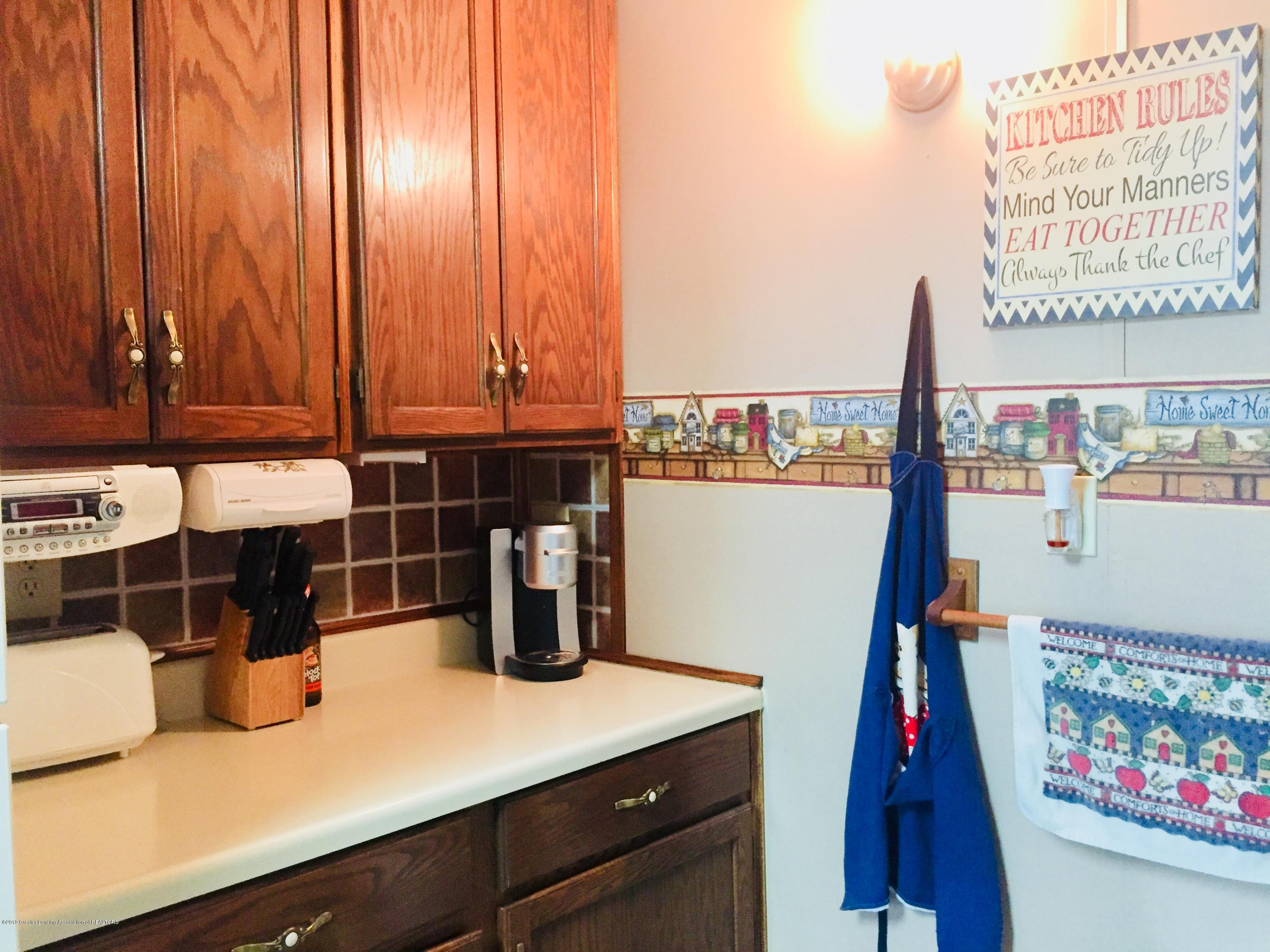 230 Washington St - Kitchen nook - 11