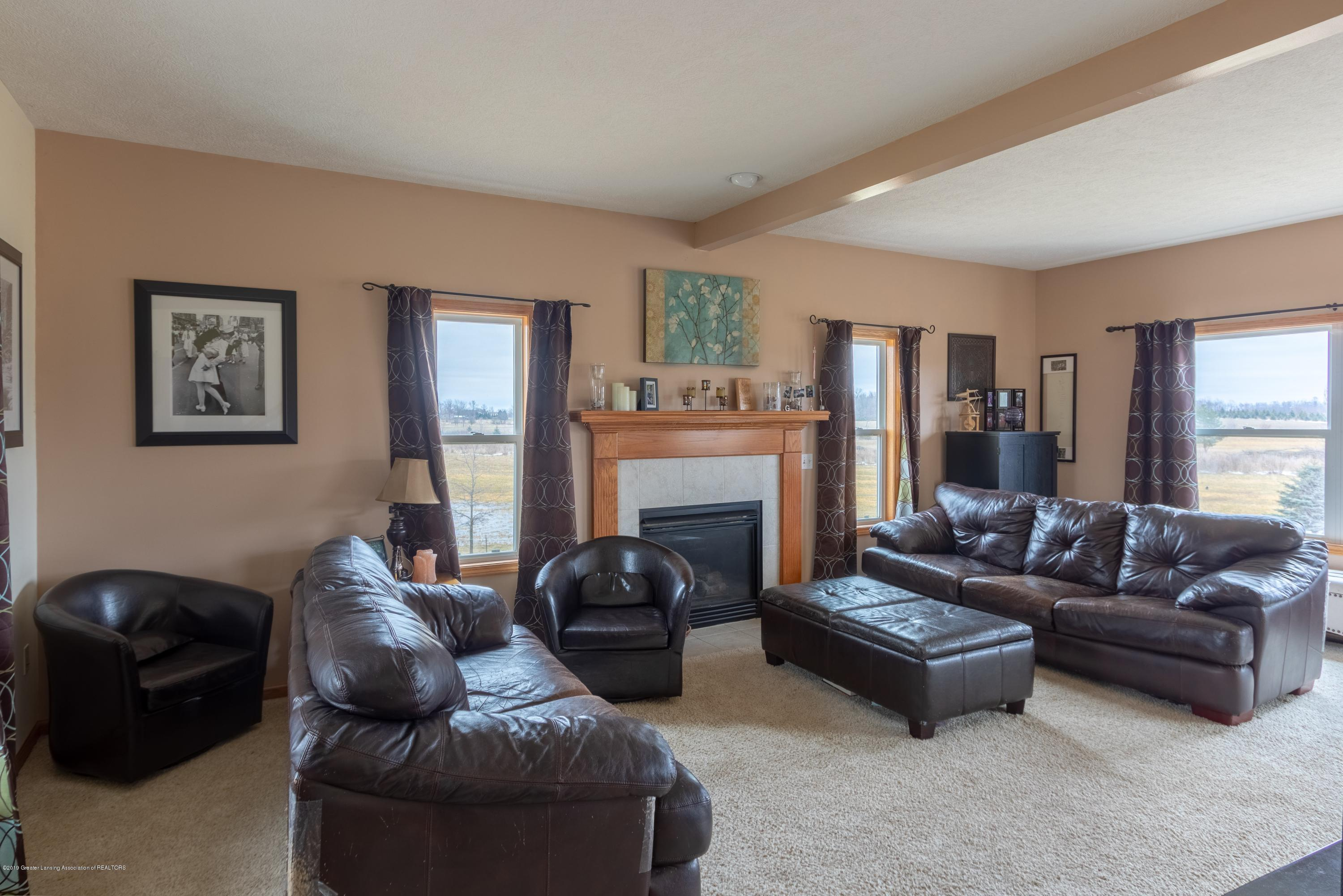 6121 W Centerline Rd - Living Room - 9