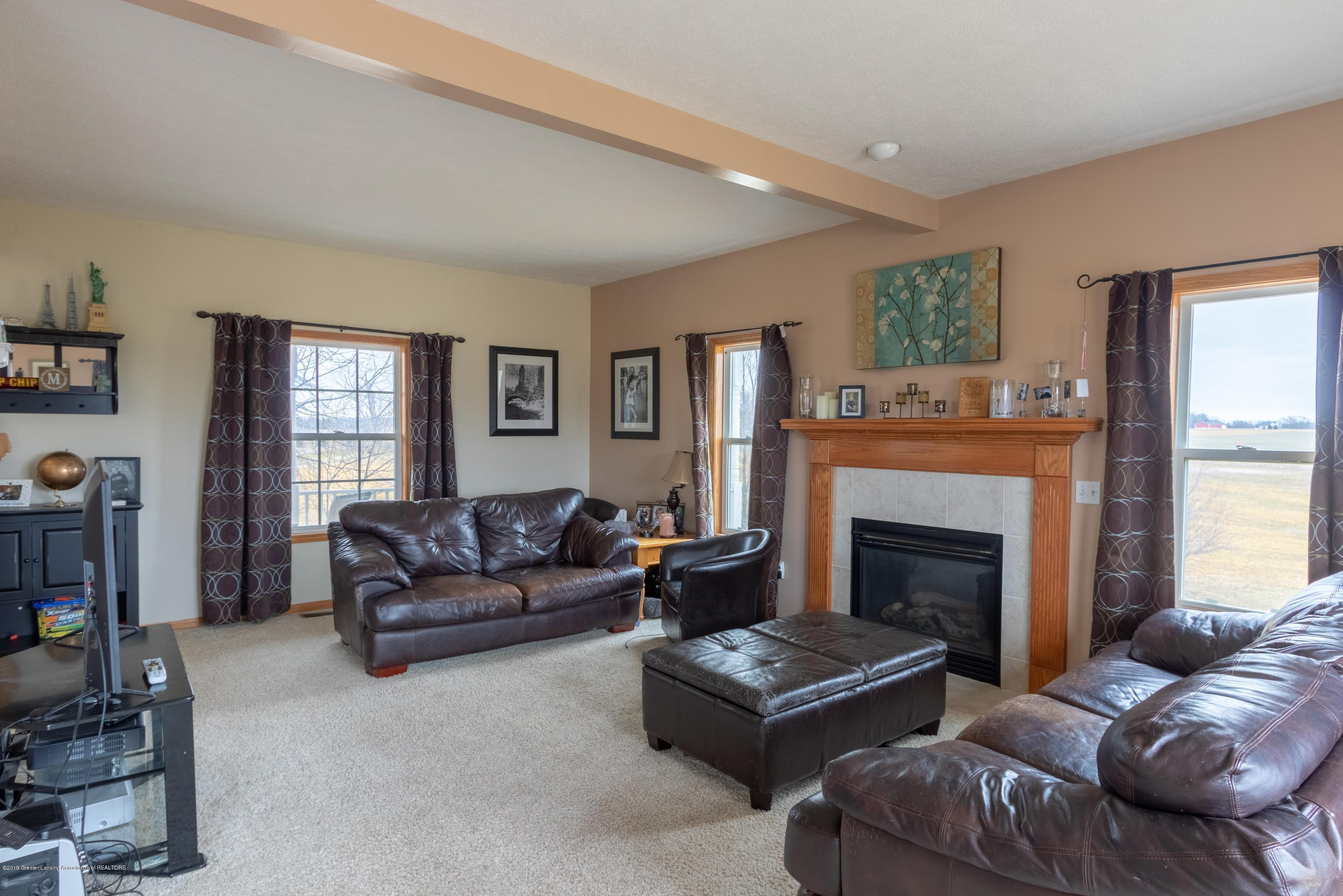 6121 W Centerline Rd - Living Room - 10