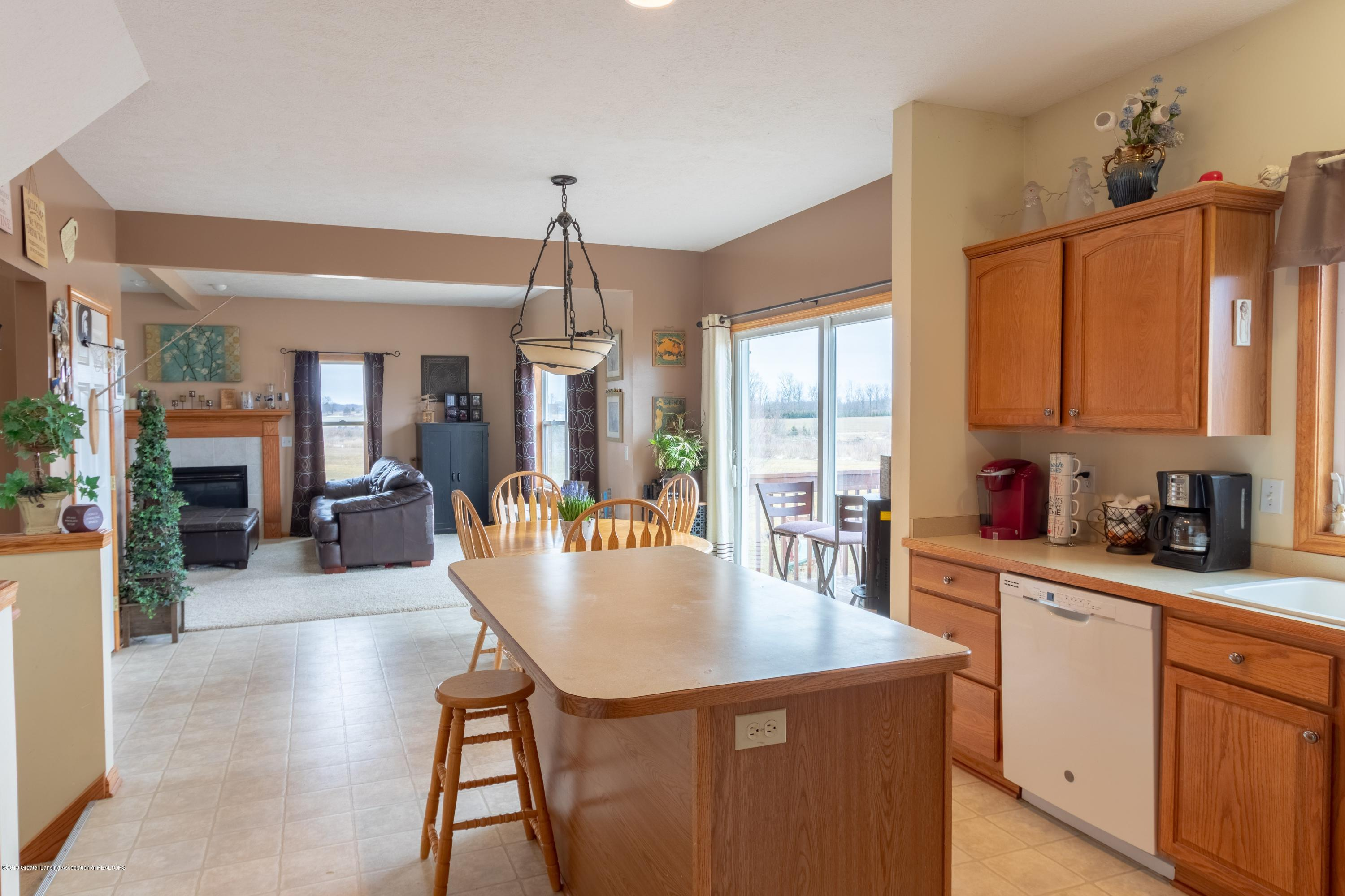 6121 W Centerline Rd - Kitchen - 6