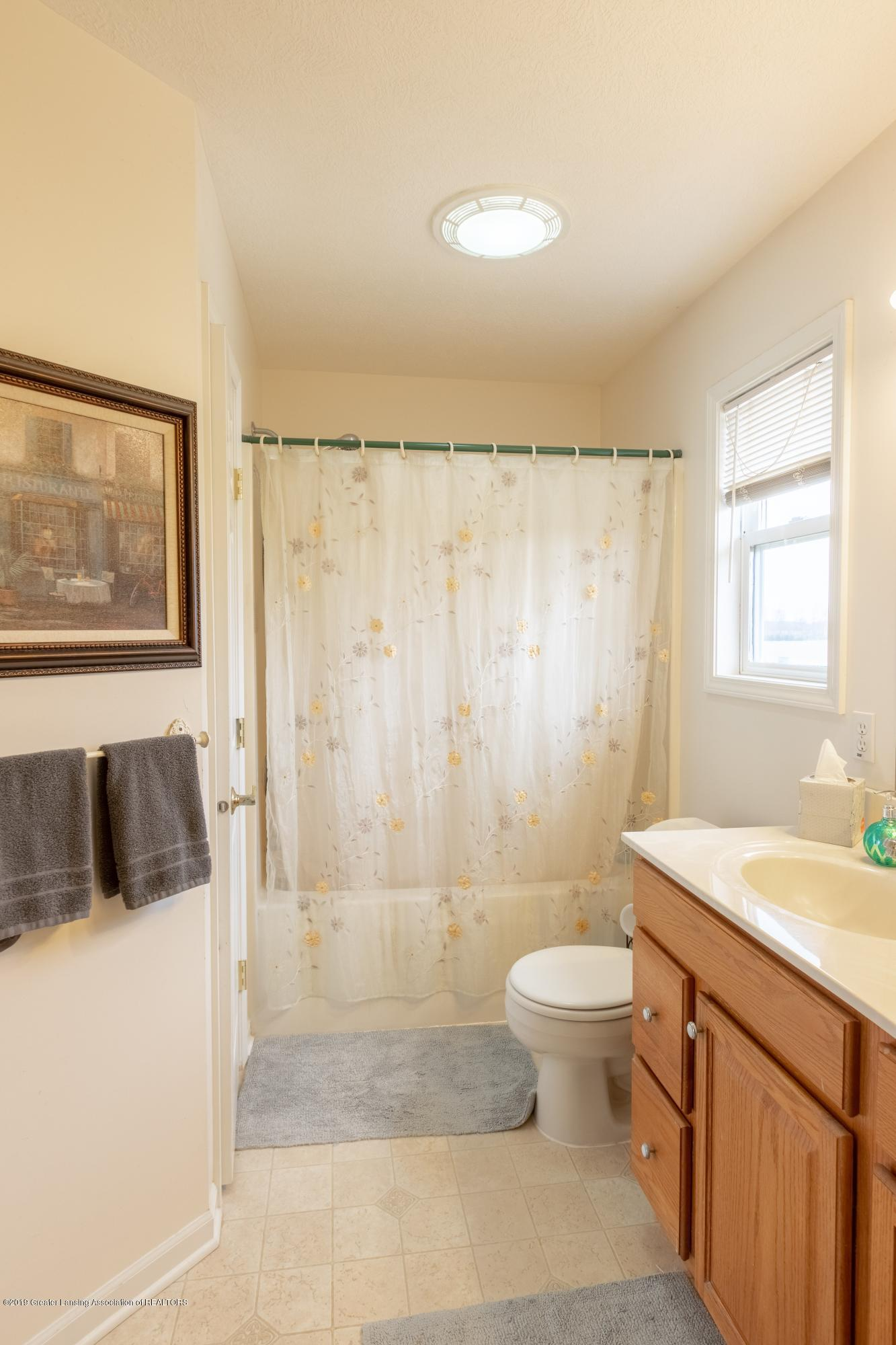 6121 W Centerline Rd - Master Bathroom - 20