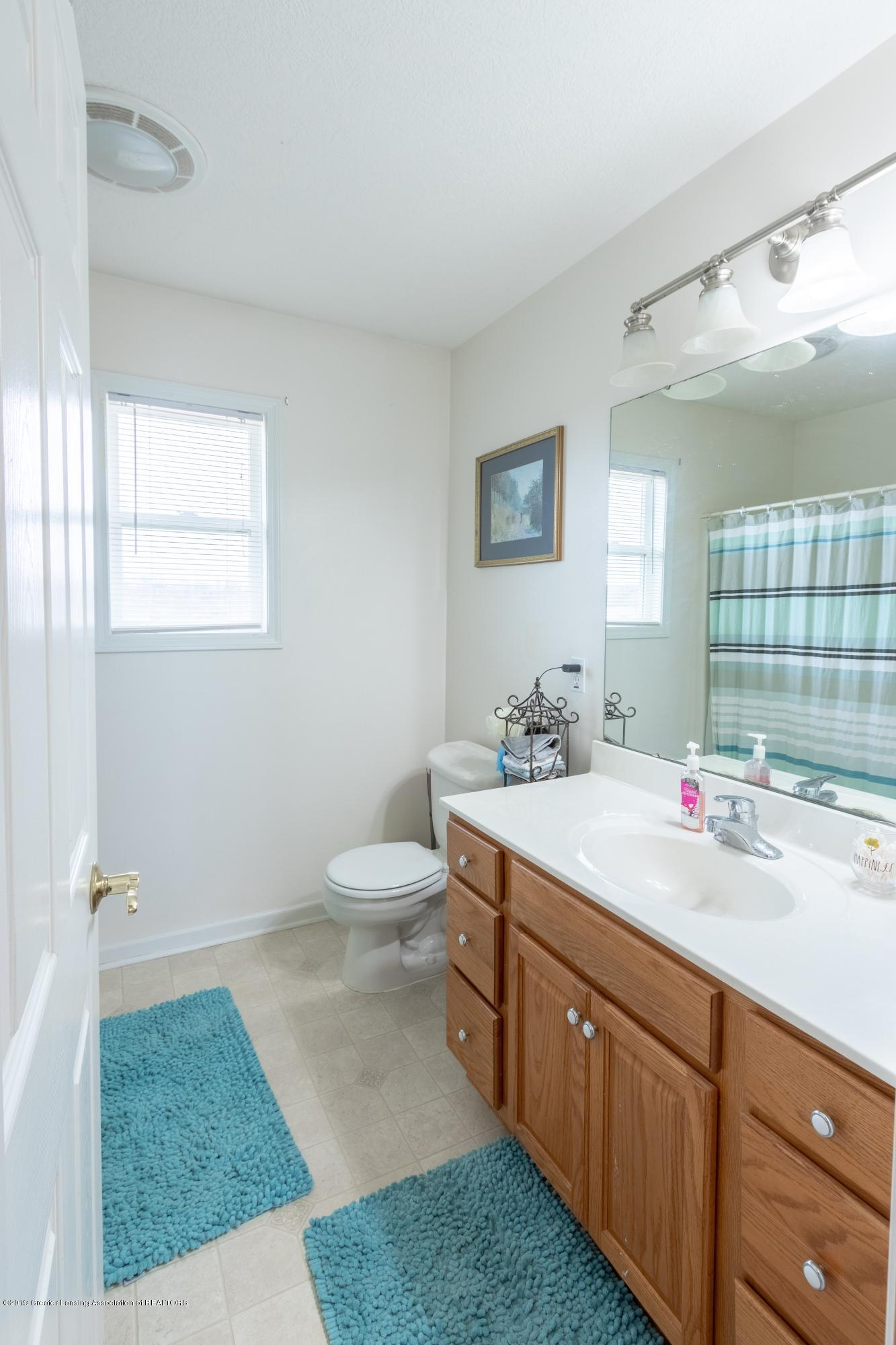 6121 W Centerline Rd - Full Bathroom - 24