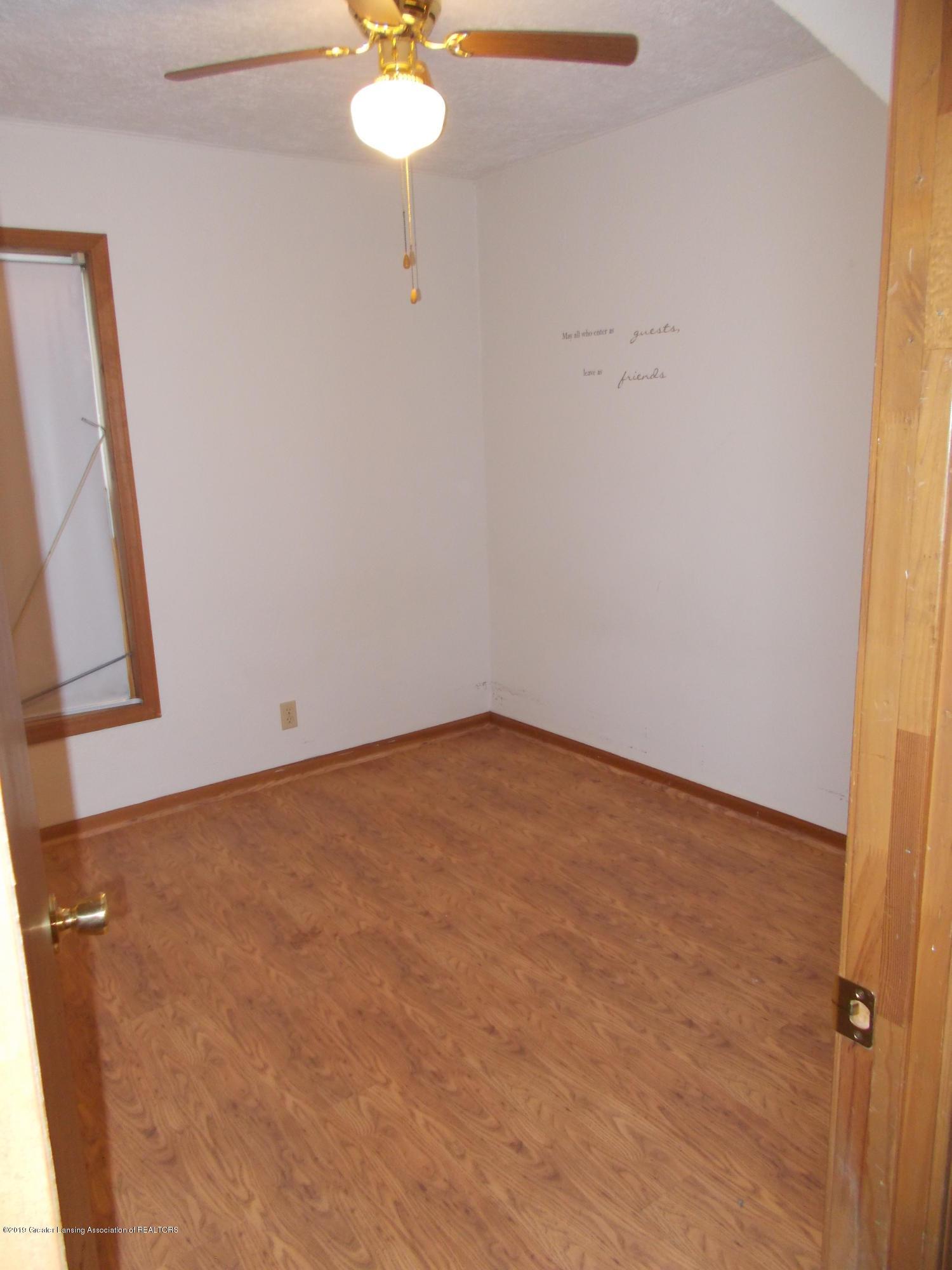 622 Hyatt St - Bedroom 2 - 6