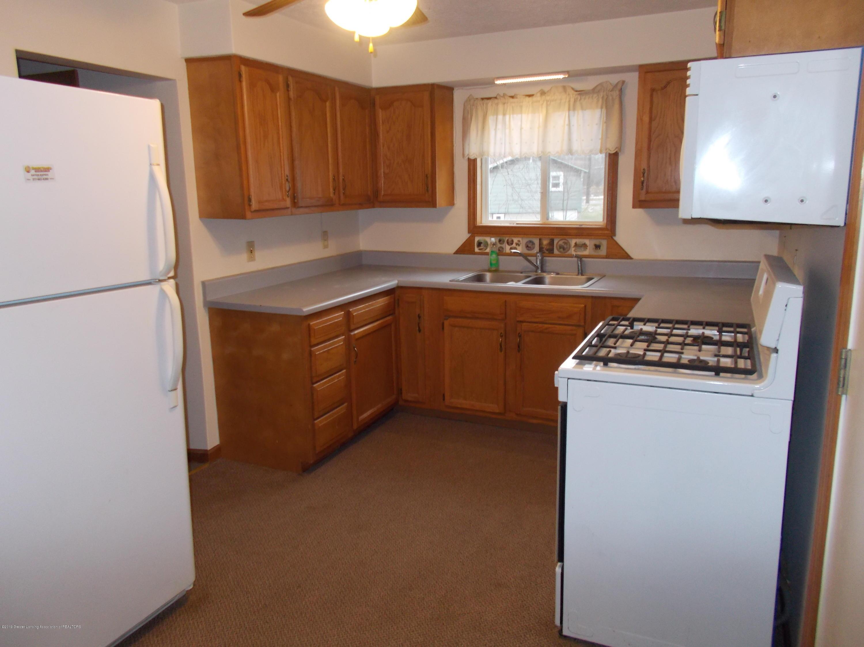 622 Hyatt St - Kitchen 2 - 13