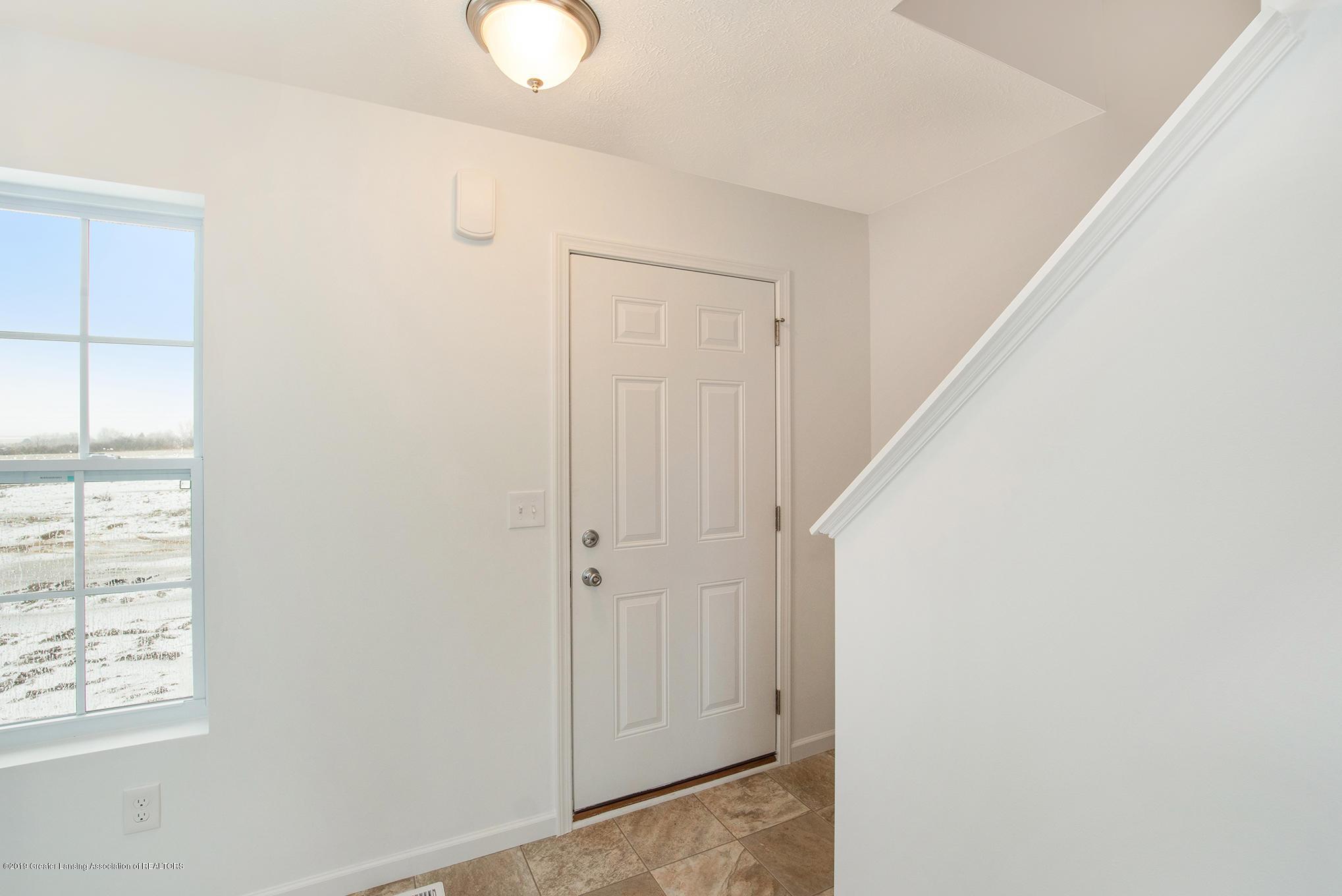 1013 Chesham - MDE022-E1600-Foyer - 2