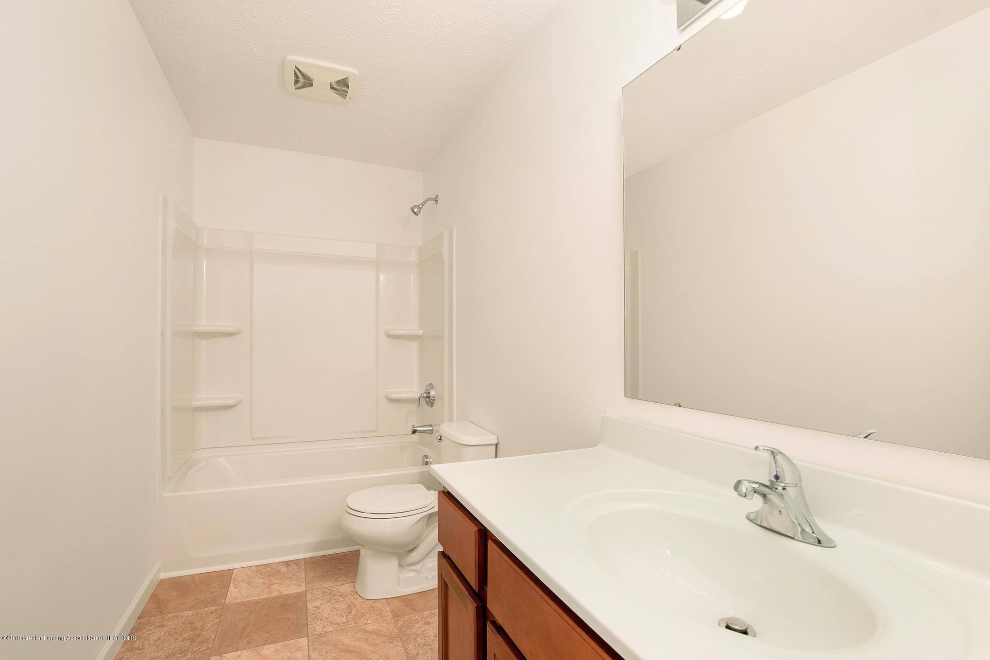 1013 Chesham - MDE022-E1700-Main Bath - 15