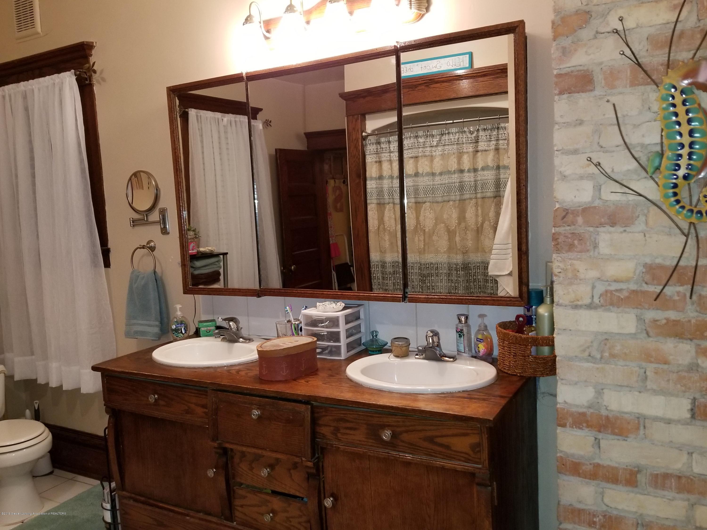 307 W Main St - Bathroom - 12