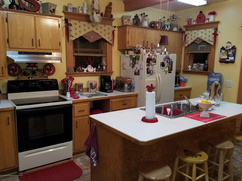 307 W Main St - Kitchen - 2